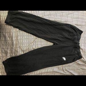 NIKE CAPRI FLEECE PANTS BLACK